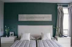 How to Arrange a King Size Bed in the Corner