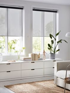 Home Living Room, Living Room Decor, Living Spaces, Nordli Ikea, Blinds For Windows, Window Blinds, Minimalist Home, Sweet Home, New Homes