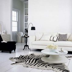 Trend to Try: Black and White Decor | http://www.prima-haven.com/2014/07/trend-to-try-black-and-white-decor/