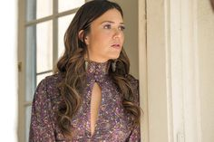 5 Retro-Chic Rebecca Pearson Outfits That Are So Easy to Copy Milo Ventimiglia Gilmore Girls, Mandy Moore, Tv Actors, Women Lifestyle, Movie Costumes, Retro Chic, Vintage Dresses, This Is Us, Fashion Outfits