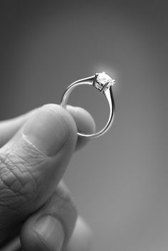 Simple Ring for Inspiring Wedding :) gede juga diamond nya :)