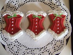 Don't care for corset cookies, but this is cute! Christmas Corset Cookie via Etsy Fancy Cookies, Iced Cookies, Cute Cookies, Cookies Et Biscuits, Cupcake Cookies, Noel Christmas, Christmas Goodies, Christmas Treats, Christmas Baking