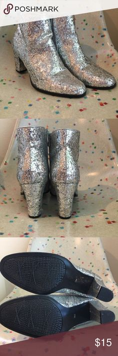 Women's Sparkly Silver Boots Sz 9 Super fun & sparkly, women's Impo heeled boots! Sz 9, 3 inch chunky heel. Worn only a few times and still in excellent condition! Silver sparkles ALLLLL over! ✨ Please see pictures & ask any questions! Impo Shoes Heeled Boots