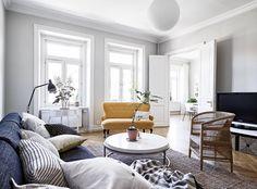 In dit appartement maakt de bank echt een statement! - Roomed   roomed.nl