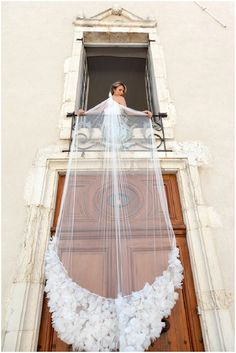 Royal Cathedral Length Bridal Veil | Image by Belle Momenti Photography