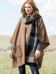 BOILED WOOL KNIT CAPE