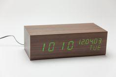 Relógio LED Verde Madeira | A Loja do Gato Preto | #alojadogatopreto | #shoponline