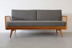 Knoll Antimott Daybed