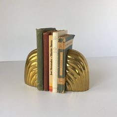 Brass Bookends, Vintage Waterfall Bookends, Midcentury Modern Sculptural Bookends, Deco Style Glam Hollywood Regency Scalloped Bookends by AlegriaCollection on Etsy