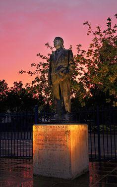Bobby Robson, Alf Ramsey, ipswich, ITFC, Ipswich Town, Football, Photography, sunset, statue, portman road