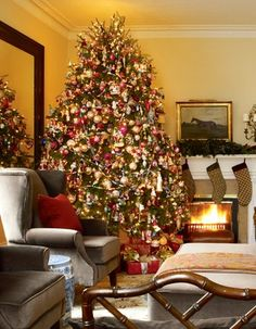 victorian christmas tree decorating | ... by roberto caruso