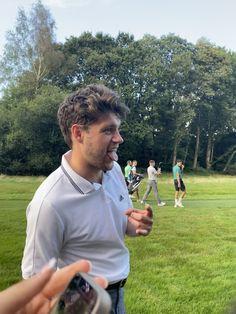 Niall Horan News, Niall Horan Baby, Naill Horan, One Direction Photos, I Love One Direction, Irish Boys, Irish Men, James Horan, 5 Best Friends