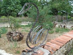 Swan metal garden sculpture