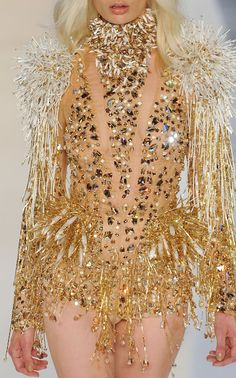 ☼ Cosmic Couture ☽ Celestial Costumes ☼ Alexandre Vauthier Haute Couture F/W 2012 Couture Fashion, Runway Fashion, Fashion Show, High Fashion, Alexandre Vauthier, Gold Fashion, Fashion Details, Fashion Design, Fashion Images