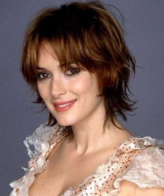 Here you are latest and popular Razor Cut Bob Hairstyles right here for you ladies. This style bob cut, really stylish and popular, your hair looks spiky. Short Razor Haircuts, Short Shag Hairstyles, 2015 Hairstyles, Short Hairstyles For Women, Bob Haircuts, Shaggy Bob Haircut, Shaggy Short Hair, Choppy Hair, Medium Shaggy Bob