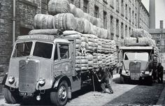 Vintage Trucks, Old Trucks, Dundee City, Old Lorries, Road Transport, Train Car, Commercial Vehicle, Classic Trucks, Old Cars