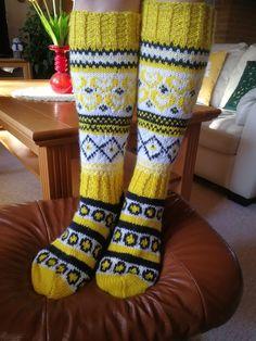 Vilukissa villasukat ja sitruunalaku sukat yhdistelmä Socks, Patterns, Knitting, Hats, Fashion, Stockings, Tutorials, Block Prints, Moda