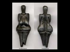 Venus of Dolní Věstonice, Czech Republic, is one of the earliest examples of fired clay sculptures in the world (c. Ancient Mysteries, Ancient Artifacts, Venus, Paleolithic Art, Ancient Goddesses, Art Antique, Mother Goddess, Museum, Ancient Beauty