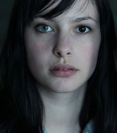 Heterochromia Iridium (two different colored eyes) A beautiful condition. Pretty Eyes, Beautiful Eyes, Heterochromia Eyes, Pretty People, Beautiful People, Two Different Colored Eyes, Female Character Inspiration, French Girls, We Are The World