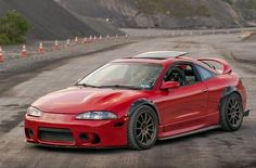 Rockin' 2G Mitsubishi Eclipse w/ carbon fender flares.