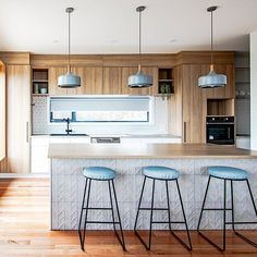 Black Forest / Projects / Polytec  Natural Oak Ravine - bright, contemporary kitchen. Forest View, Black Forest, Modern Kitchen Design, Projects, Bright, Contemporary, Inspiration, Furniture, Natural