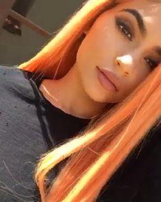 Kylie Jenner - Peach hair