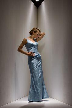 2015 Blue Sleeveless V-neck Zipper V-back Floor Length Mother of the Bride Dresses MBD0102