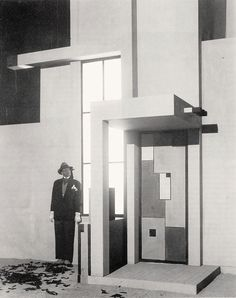Robert Mallet-Stevens and Fernand Léger, modernist set designs for the film L'Inhumaine House Of Tomorrow, Robert Mallet Stevens, Stone Blocks, Lebbeus Woods, Old Abandoned Houses, Walter Gropius, Modern Architects, Eero Saarinen, Classical Architecture