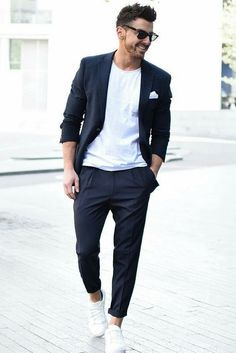 Squarely between fancy and lazy is the men's smart casual dress code. But what is the smart casual dress code and how did it come to be? Smart Casual Men Dress Code, Casual Look For Men, Dress Code Casual, Casual Looks, Mens Casual Suits, Classy Casual, Smart Casual Man, Man Style Casual, Men Casual Styles