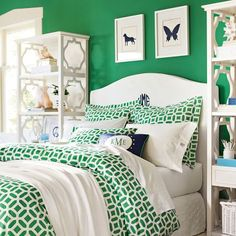 Kelly Green and Navy for the bedroom- I need something similar for a king size bed.