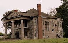 Old plantation home in AL. Would LOVE to see the inside!