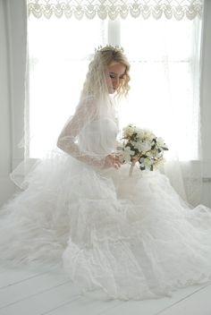1950s tiara wedding veil crown bridal by RoseleinRarities on Etsy