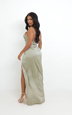 Tight Dresses, Satin Dresses, Sexy Dresses, Fashion Dresses, Silk Dress, Actrices Sexy, Curvy Girl Lingerie, Curvy Dress, Curvy Women Fashion