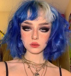makeup aesthetic – Hair and beauty tips, tricks and tutorials Edgy Makeup, Grunge Makeup, Cute Makeup, Pretty Makeup, Makeup Looks, Hair Makeup, Mode Grunge, Style Grunge, Grunge Look