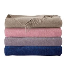 Shop for the Triomphe blankets by Yves Delorme online at Artedona. Enjoy our personal service, luxury brands, worldwide delivery and secure online ordering.