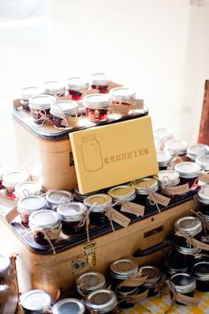 canned jam favor.