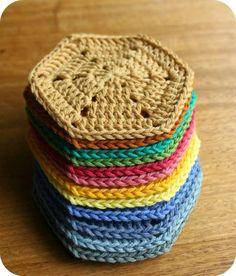 Girls Wear Blue Too: Crochet Hexagon Blanket - Update Crochet Hexagon Blanket, Crochet Coaster Pattern, Crochet Motif Patterns, Crochet Potholders, Granny Square Crochet Pattern, Crochet Stitches, Diy Crochet And Knitting, Crochet Gifts, Granny Square Häkelanleitung