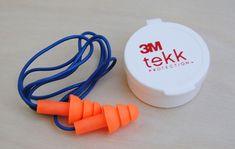 Jual Ear Plug 3m dengan Harga Murah. Tokootomotif.com menjual ear plug dengan harga diskon selain ear plug ada juga ear muff kedua penutup telinga ini .....