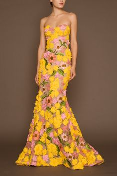 Gowns – Page 2 Yellow Fashion, Floral Fashion, Fashion Designer, Designer Dresses, Dress Outfits, Fashion Dresses, Couture Dresses, Maxi Dresses, Summer Dresses