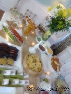 Summer Entertaining Tips At Home With Nikki, Apartment Kitchen Organization, Food Tasting, Party Entertainment, Best Appetizers, Food Presentation, Soul Food, Party Planning, Tablescapes