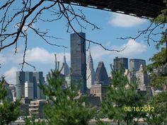View of Manhattan from the Queensbridge Park in LIC, Queens