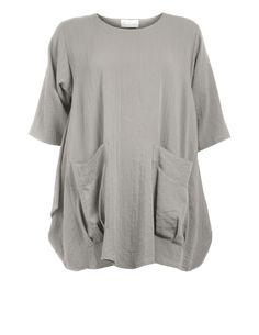 Leinenshirt mit aufgesetzten Taschen von D Celli in Sand. Mode ab Größe 42 bei navabi bestellen