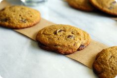 whole-grain pumpkin chocolate chip cookies ::: bake at 350 blog (easy recipe adaptation to #glutenfree)