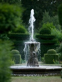 beautiful Hatfield House garden