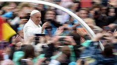 El Papa recuerda en la Pascua a los 148 jóvenes cristianos asesinados en Garissa