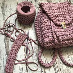 Пыльная роза, идеальная тень упала, начало новой сумочки, которая будет в наличии, дети себя неприлично прилично ведут... а как выглядит ваше идеальное утро??? TAKE IT,WEAR IT, LOVE IT! #вяжу #вязание #вяжуназаказ #вяжутнетолькобабушки #гомель #беларусь #минск #вязаныйкардиган #knit #knitting_is_love #ig_knitting #knitting_inspiration #knitwear #knitstagram #model #love #beauty #gomel #belarus #трикотажнаяпряжа #пряжалента #сумкакрючком #трикотажнаясумка #ручнаяработа #сумки #мода #стиль…