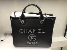 Celebrations, Bedroom Decor, Golf, Chanel, Tote Bag, Bags, Purses, Tote Bags, Taschen