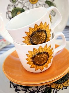 J and G Meakin Palma Sunflower Cups❥☕❥