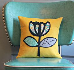 Mod Flower Pillow Cover with Insert