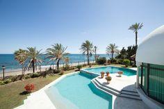 Imposing Frontline Beach Villa - Villa for sale in Beach Side Golden Mile, Marbella Golden Mile